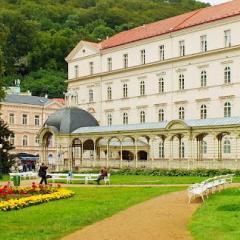 Sanatorium Sadovy Pramen Hauptgebäude