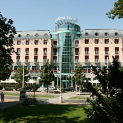 Kurhaus »Cristal Palace«